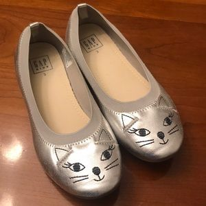 Silver flats with cat face by GAPkids